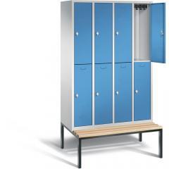 Garderobekasten CLASSIC met dubbele afdelingen, gladde deuren en ondergebouwde zitbank met houten latjes