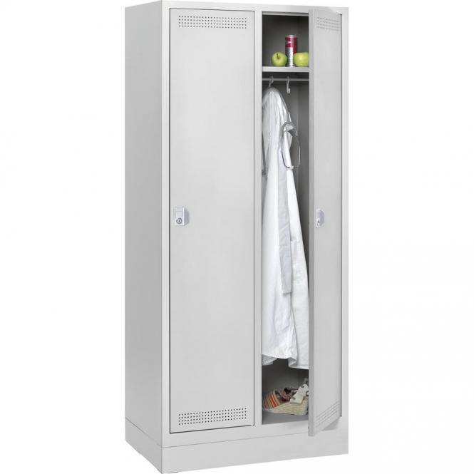 Stalen garderobekast SP PROFI SYSTEM met sokkel lichtgrijs RAL 7035 | 400 | 2 | cilinderslot | met sokkel