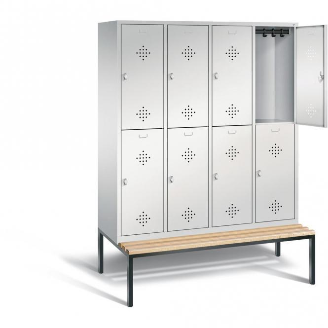 Garderobekasten CLASSIC met dubbele afdelingen, verluchtingsperforaties en ondergebouwde zitbank met houten latjes